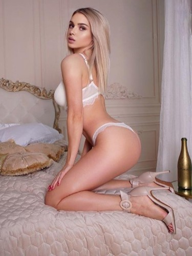 Teen Escort Roza in Ankara, Turkey - Photo: 5
